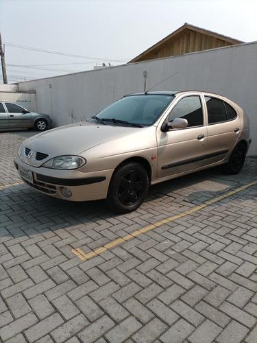 Imagem 1 de 10 de Renault Megane 2001 1.6 Rxe 5p
