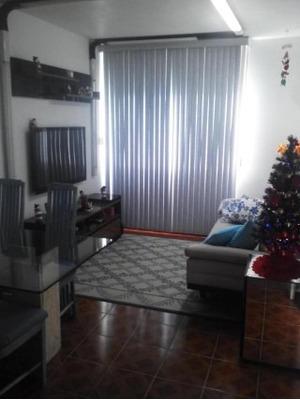 Belíssimo Apartamento Com Piso Frio Composto Por Dois Quartos, Sala, Cozinha E Banheiro Em Porcelanato. - 2008