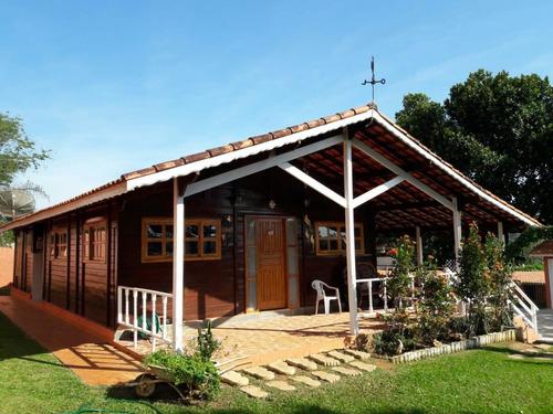 2.000 M², Casa Com 03 Dormitórios, Piscina, Churrasqueira !!