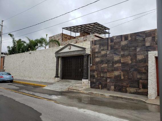 Renta De Casa Muy Amplia En Col. Santa Lucia