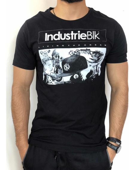 Camiseta Masculina Preta Estilosa