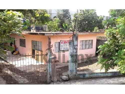 Vendo Casa Tihuatlan Veracruz 3 Recamaras, Se Encuentra Ubicada En La Carretera A Mexico-tuxpan, Cuenta Con 898.49 M² De Terreno Y 72 M² De Construcción, Sala, Comedor, Cocina, 2 Baños, Amplio Patio,