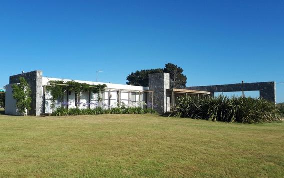 Alquilo Casa Punta Del Este Barrio Semi Cerrado Con Pileta