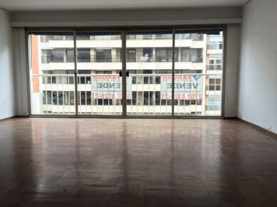 Venta Apartamento Pocitos 4 Dormitorios Y Gge Bajos Gastos