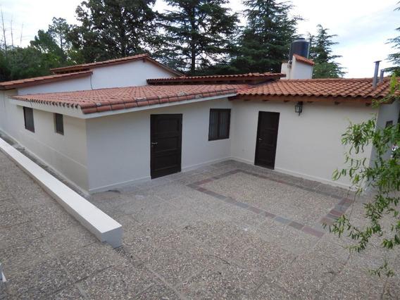 Vendo Casa Quinta En Tanti, Con Piscina, Cancha De Tenis.