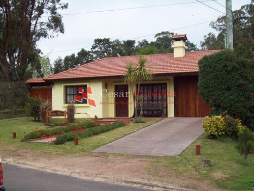 Excelente Casa En Alquiler- Ref: 1068