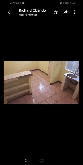 Apartamento Pequeño, 2 Plantas, 1 Cuarto Grande.