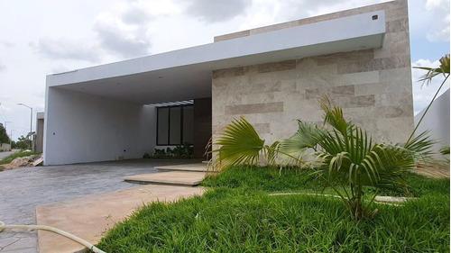 Imagen 1 de 21 de Casa En Venta Al Norte De Mérida De Una Planta Con 3 Recámar