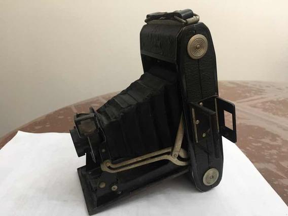 Máquina Fotográfica Antiga Mais De 70 Anos