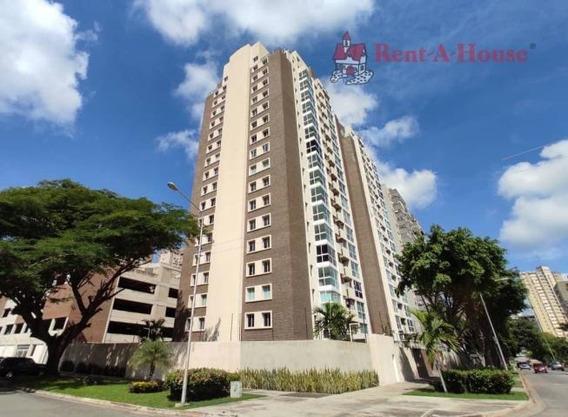 Apartamento Con Amplias Áreas Sociales Y Nuevo 20-22088 Hjl