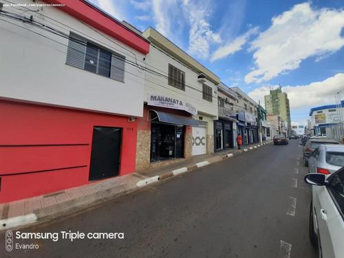 Casa Para Venda Em Tatuí, Centro, 2 Dormitórios, 1 Suíte, 2 Banheiros, 2 Vagas - 520_1-1365659