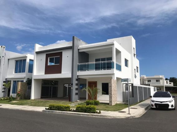 Se Renta Residencial Las Palmeras, Madre Vieja Sur.