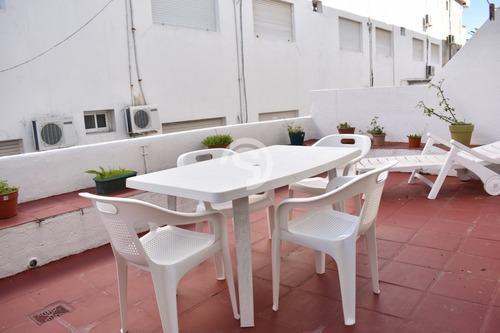 Frente A La Plaza De Los Artesanos Con Gran Terraza- Ref: 3518