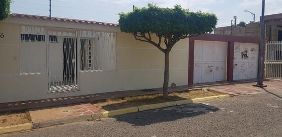Casa En Alquiler Las Lomas Maracaibo Api 5055