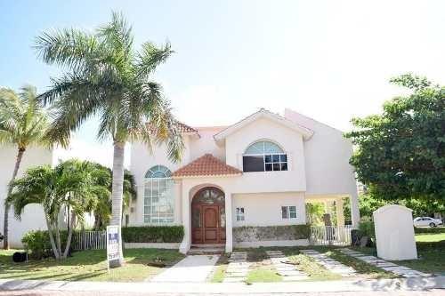 Casa En Venta Cancún En Isla Dorada Zona Hotelera