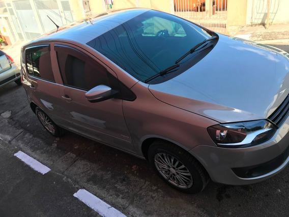 Volkswagen Fox 2011 1.0 Trend Total Flex 5p Completo