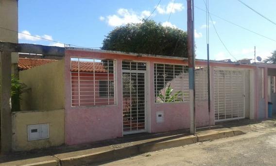 Casa En Venta En Puerto Ordaz Edo Bolivar 04144530004