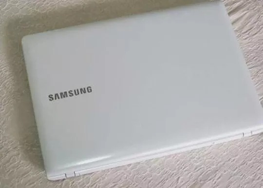 Carcaça Completa Samsung Np300e5k Kfbbr E Outros Modelos