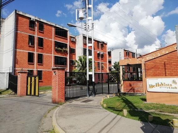 Apartamento En Res. Bella Vista Country Club. Foa-824