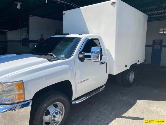 Camion Chevrolet 3500 Hd Con Caja Cerrada