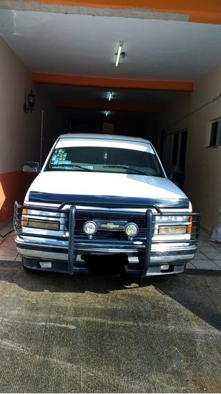 Chevrolet Silverado Silverado 2500 V8