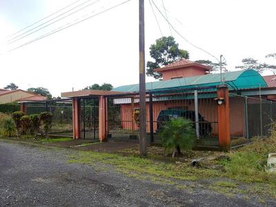 Guápiles. Ganga Casa De Remate Con 3 Habitaciones Y 4 Baños.