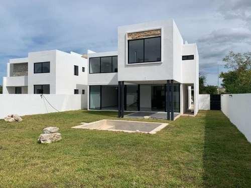Preciosa Y Amplia Casa En Venta Privada Al Norte De La Ciudad