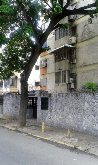 Apto. En Venta, Urb. Bello Monte (libertador-sur) Caracas