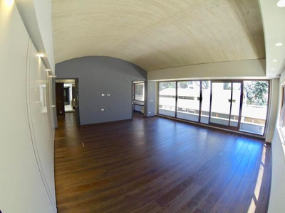 Casa En Arriendo En Altos Del Chico 18-77 Rb