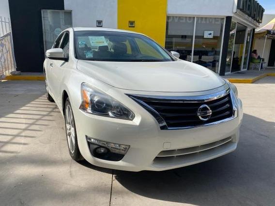 Nissan Altima Sedan 4p Exclusive V6/3.5 Aut