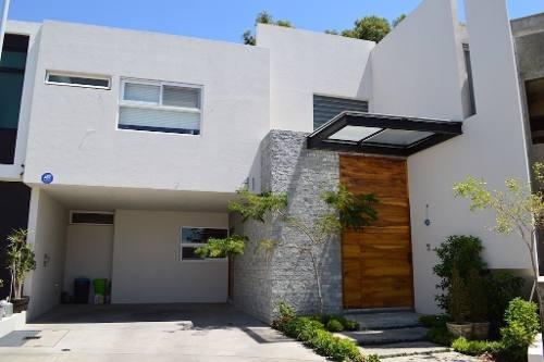 Exclusiva Residencia En Coto Valeira, Solares, Zapopan