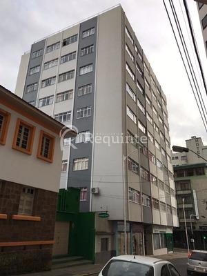 Apto Com 3 Dormitórios No Centro De Lages - 239