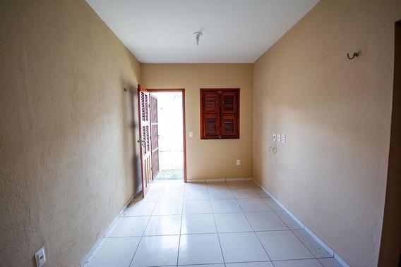 Aluguel Casa Com 2 Quartos E Garagem