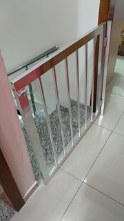 Portãozinho De Alumínio Impecável