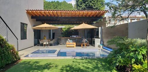 Confortable Casa En Venta, Valle De Bravo