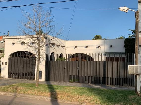 Excelente Casa En Moreno A Mtrs De La Estacion ,residencial.