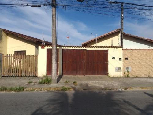 Casa Reformada Com Cerca Elétrica - Itanhaém 6777 | A.c.m