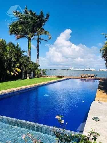 Casa En Renta En Cancun/isla Dorada