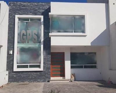(crm-1621-2077) Gps Casa En Venta Amplia En El Refugio, Querétaro
