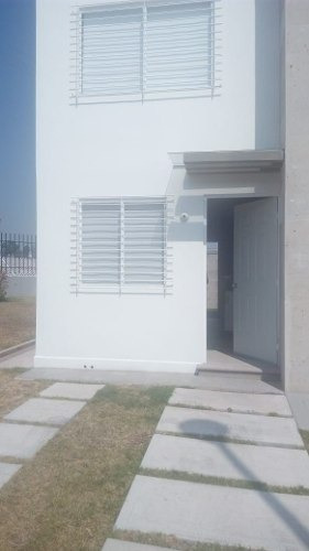 Rento Casa Queretaro Los Encinos Privada Cerca Del Aeropuert
