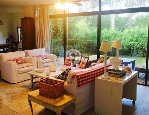 Casa En Alquiler Anual - Montoya- Ref: 8