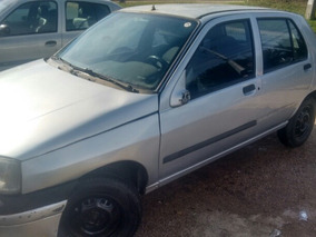Renault Clio 1.0 8v 4p