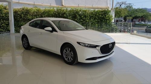 Mazda 3 Touring 2.0 Mecánico Blanco Nieve Perlado
