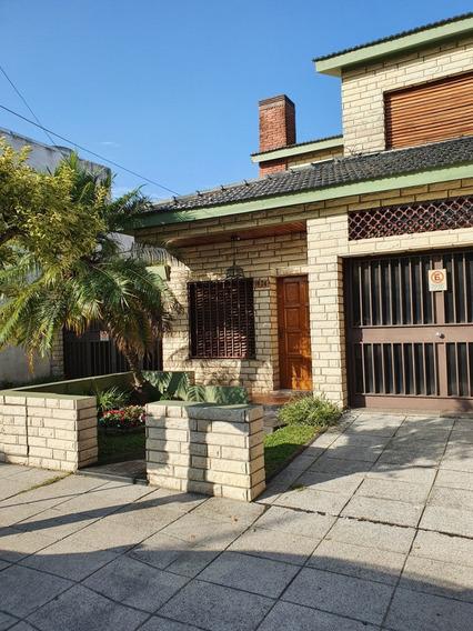 Casa En Alquiler Don Bosco 4 Amb. . 2 Garages Piscina Prop
