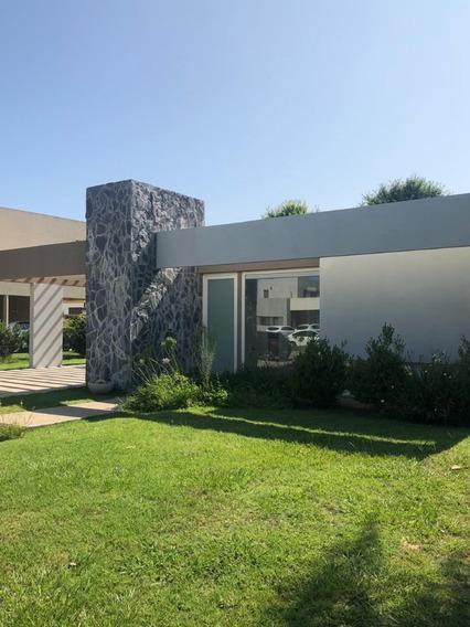 Casa 3 Dormitorios Miraflores. Oportunidad