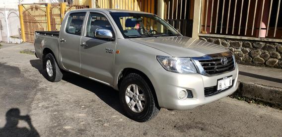 Toyota Hilux Cd 4x2, Año 2014, Poco Recorrido, Uso Familiar