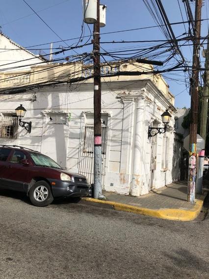 Casa Sola Zona Colonial Para Su Reforma De Esquina