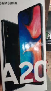 Celular Samsung Galaxy A20 Preto.