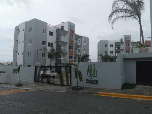 Residencial Parque De Las Colinas Ii. Rd$ 2,800,000.00