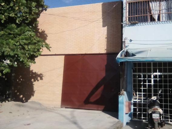 Local Comercial A Estrenar, Centrico, A Nivel De Avenida,